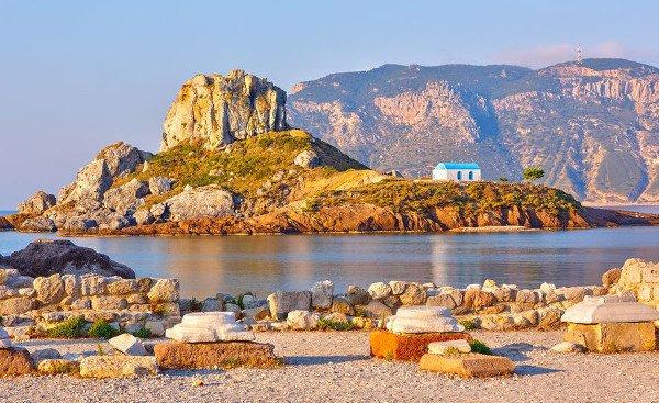 Blick von der Kefalos Halbinsel im Südwesten von Kos auf die kleine Insel Kastri
