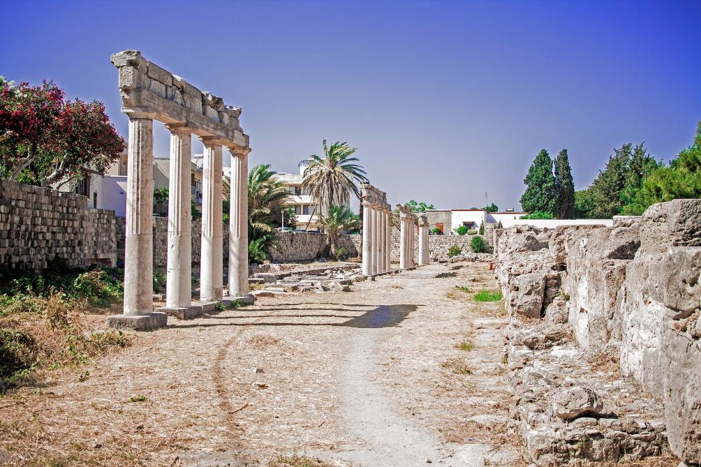 Säulen an der Via Cardo in den Westlichen Ausgrabungen