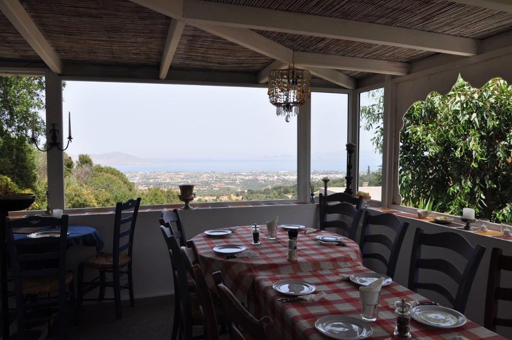 Terrasse des Cafés I Oréa Elláda in Lagoúdi