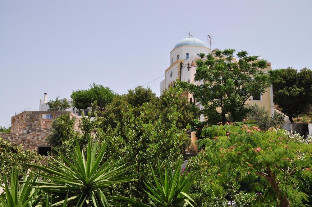 Blick auf die Kirche Evangelismoú tis Theotókou in Lagoúdi