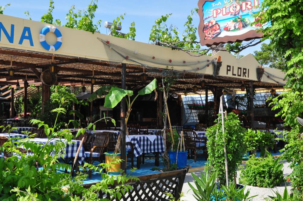 Die Taverne Plóri in Tigáki